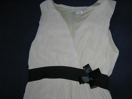 498. Krémové šaty , S