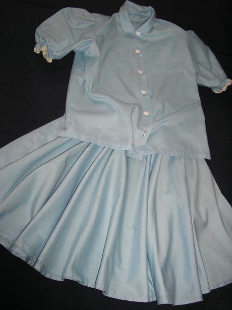 553. Dvojdielne modré šaty, 140