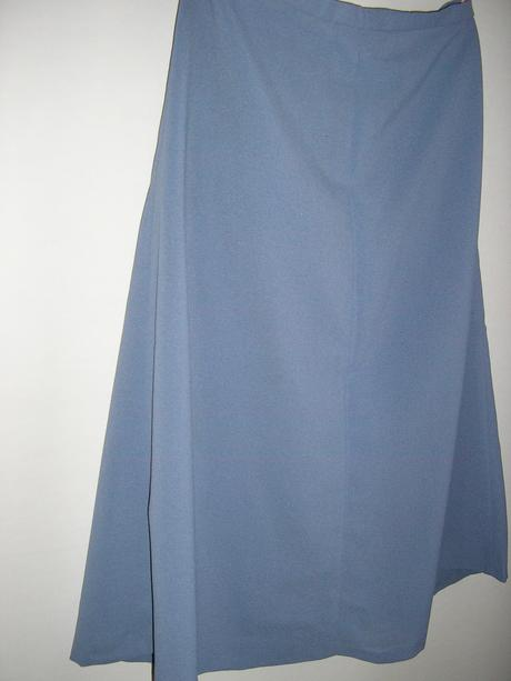 573. Sukňový komplet modro - sivý, 44