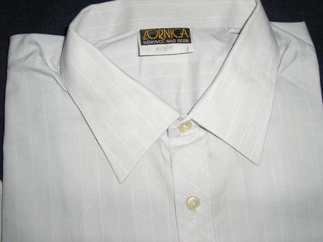587. Sivá prúž. košeľa, 44