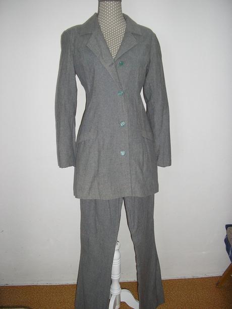 657. Nohavicový kostým , XS
