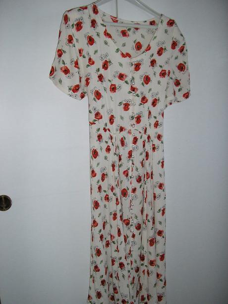 688. Kvietkované šaty, XL