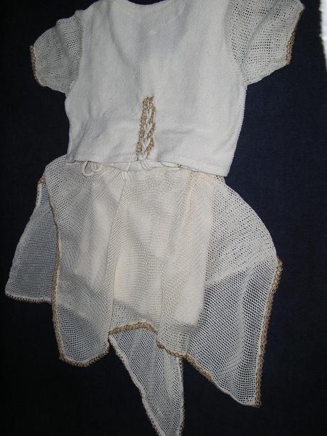 692. Diev. dvojdielne šaty, 158