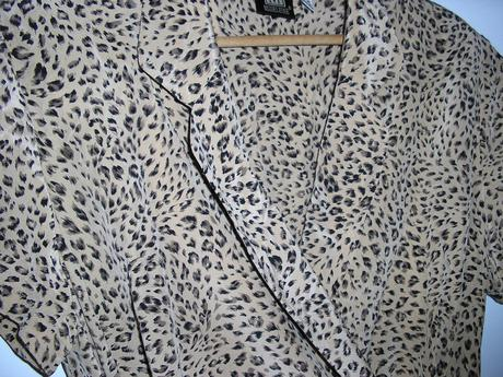 802. Madeleine Elegantné šaty, 48