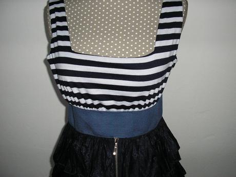 874. šaty, tunika, L