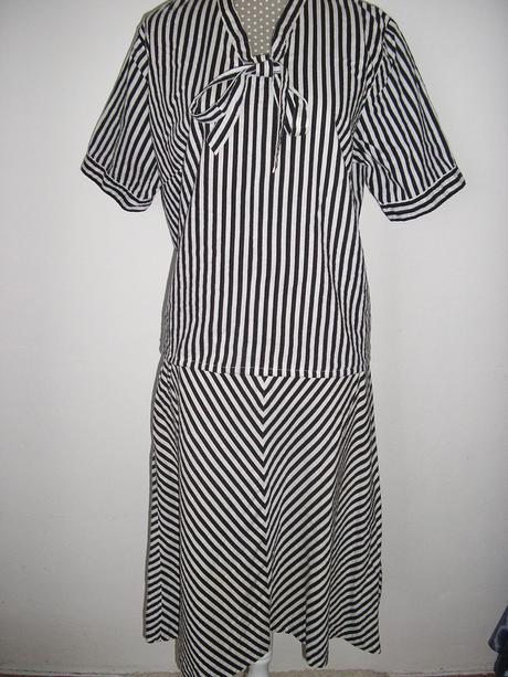 918. 2 dielne letné šaty, L