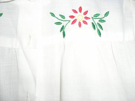 93. Biela blúzka diev., 152