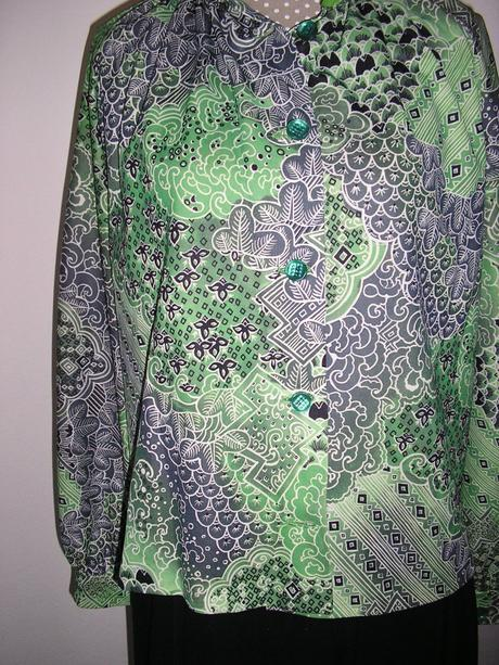 958. Zelená blúzka resp. kabátik   , L