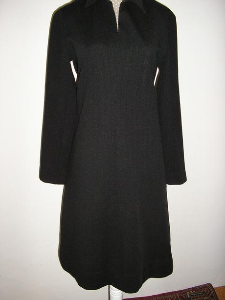 996Čierne šaty , S