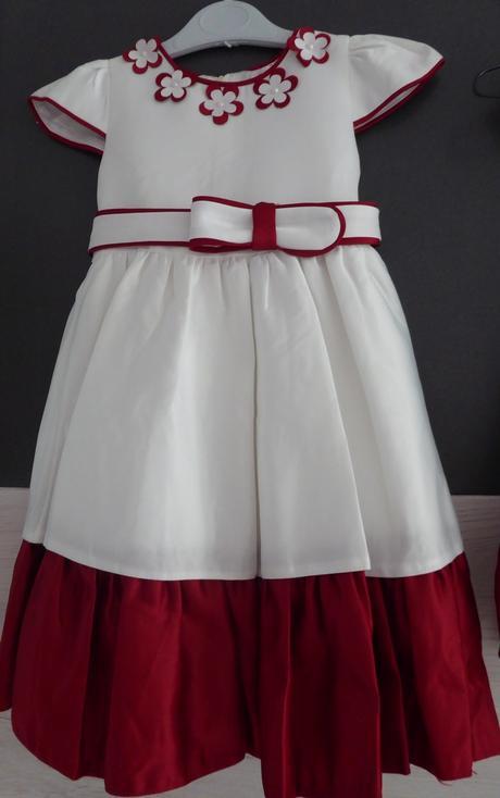 Šaty pro družičky 1 ks,