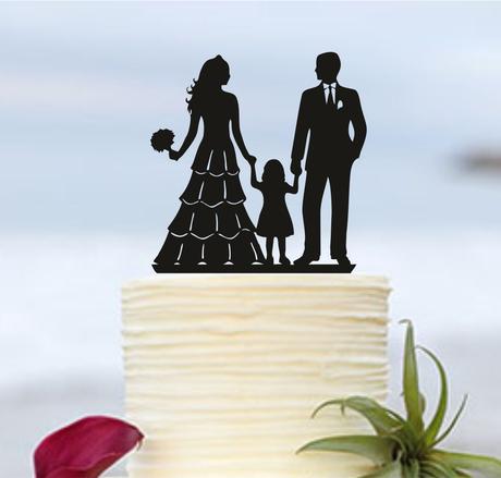 """ozdoba na tortu """"nevesta a ženích s dieťaťom"""","""