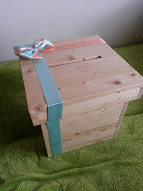 Dřevěný 'dárek' na přáníčka,