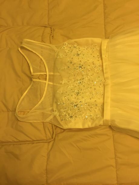 Svadobnè šaty, 40