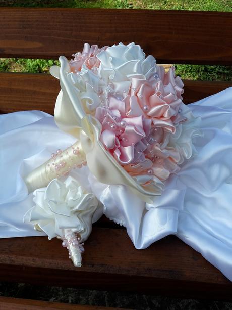 Látková ružičková kytica,pošta v cene,