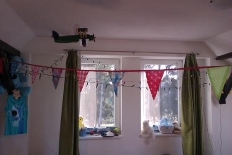 Farebne vlajky - ozdoba detskej izby ,