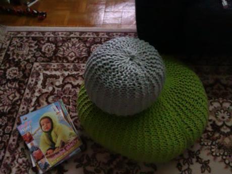 Zeleny strikovany pouf - velky,