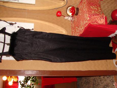 Dlhé šaty s kožušinkou aj vymena, 38