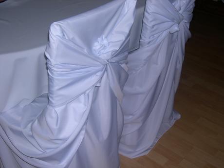 Potahy na židle, rautové sukně, ubrusy,