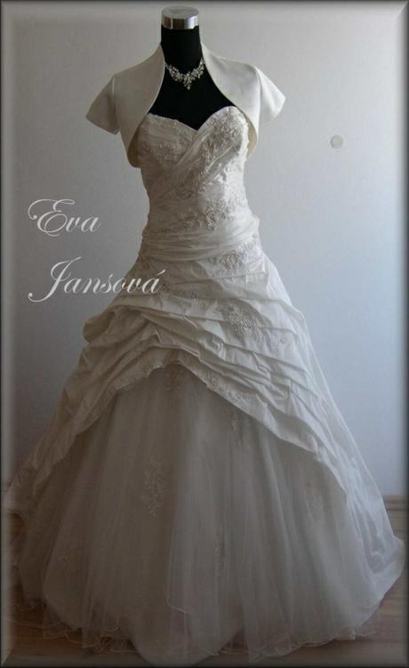 Půjčím svatební šaty, 36