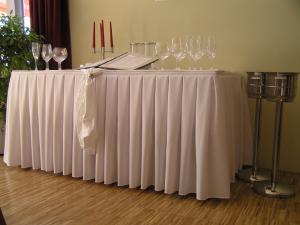 svatební potahy na židle - výzdoba,