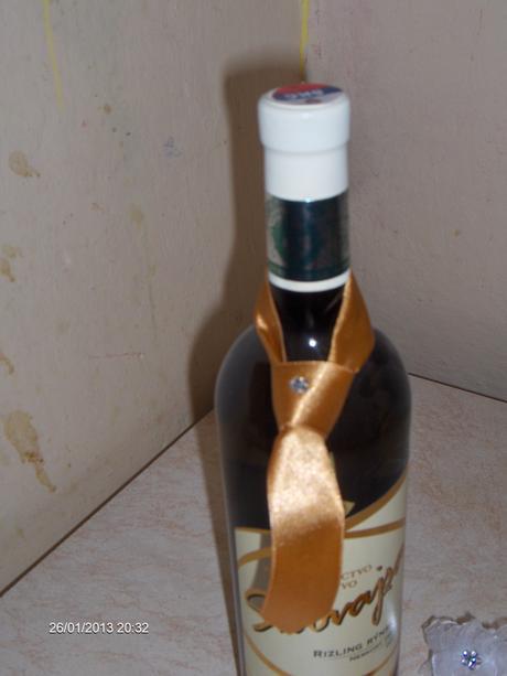 ozdoby na fľašu nepoužité,