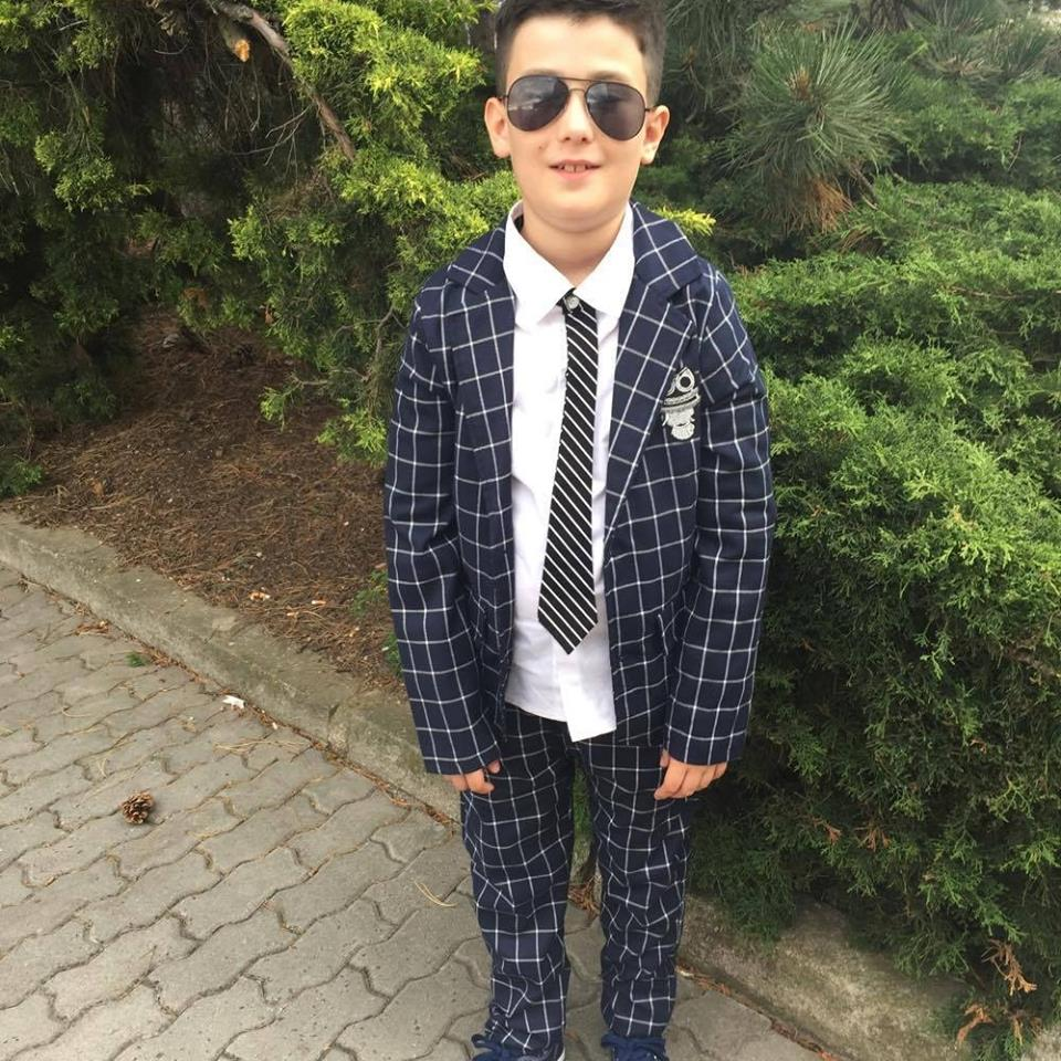d7caf082d1e3 Chlapčenský oblek s košelou