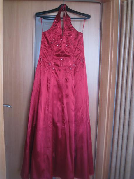 Vínové šaty , L