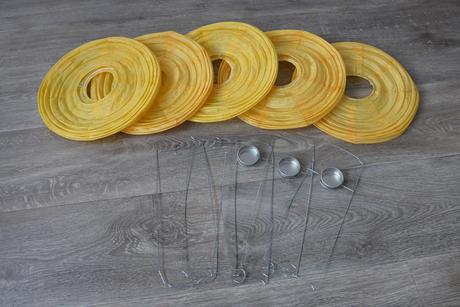 Lampióny žluté, 30 cm ,
