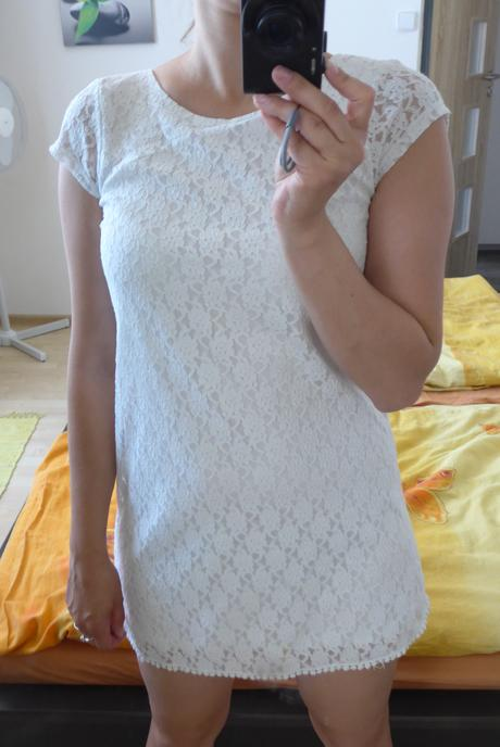Šaty krajkové , 122