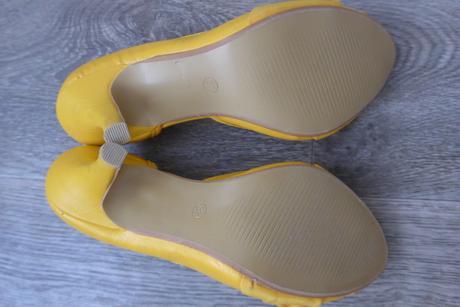 Žluté lodičky s mašličkou, 37