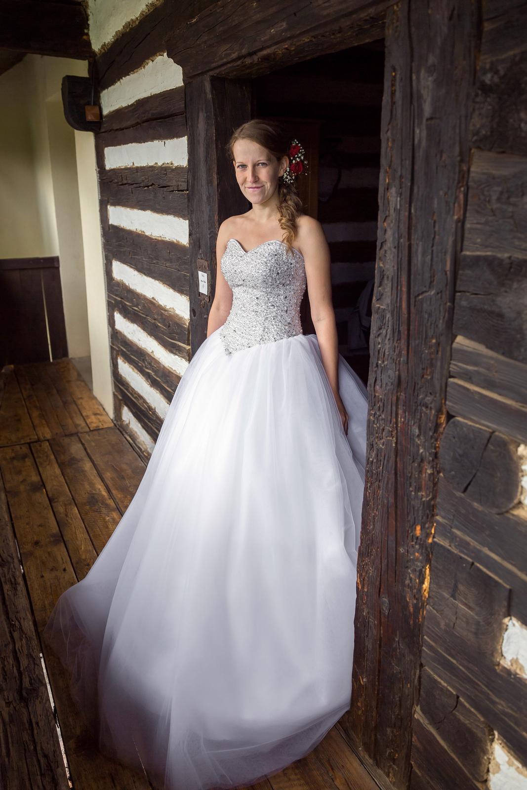 8854b71c14a2 Princeznovské svatební šaty vel. 36-40