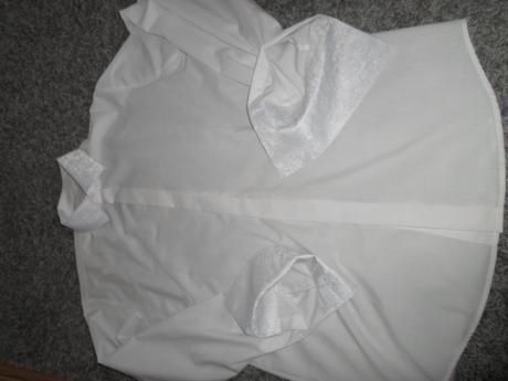 svadobná košeľa s vyšívaným golierom a manžetami , 44