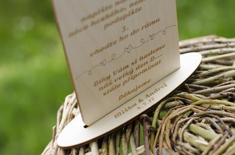 Dřevěná tabulka k svatebnímu rámu,