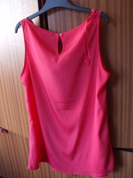 Růžová halenka Camaieu s výstřihem tzv. vodou, L