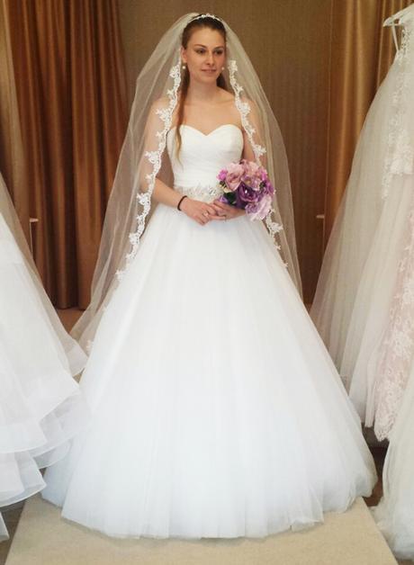 Svatební šaty A střih prodej Praha_velikost 36- 38, 38