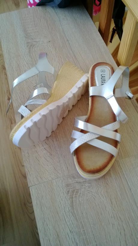 Sandály, 40