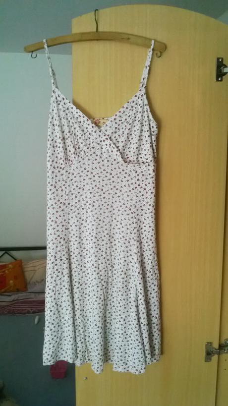 Šaty bílé s kytičkami, XL