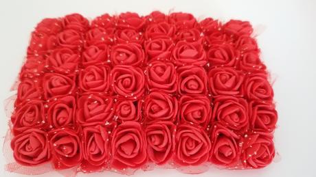 pěnové mini růže - červená,