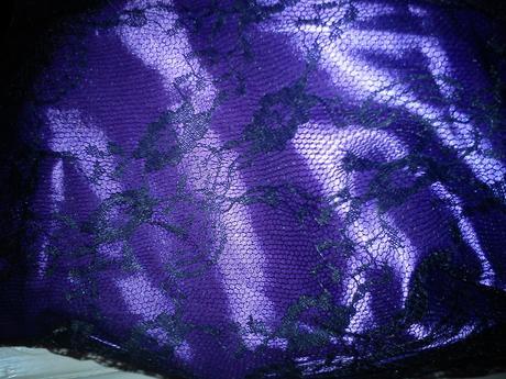 Nepoužité cierno-fialove popolnočné šatočky , 36