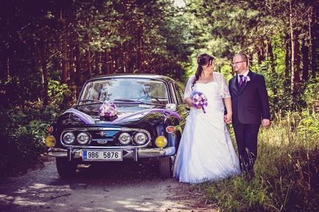 Svatební šaty s bolerkem, 50