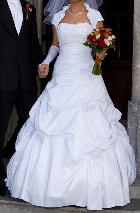 Akcia- Svadobné šaty, 38