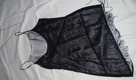 korálkové šaty , M