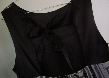 šaty LIPSY s flitrami, M