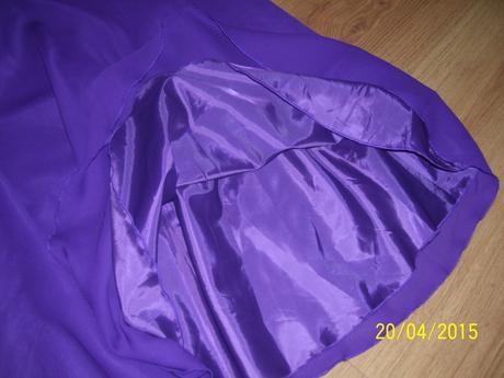 spoločenské šaty , L
