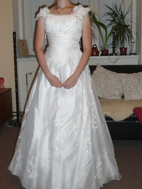 Svatební šaty Grace s odnímatelnými ramínky, 38
