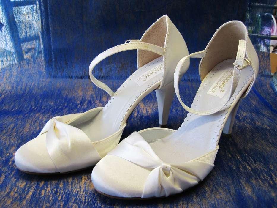 7ec782d03f41 Svadobné topánky