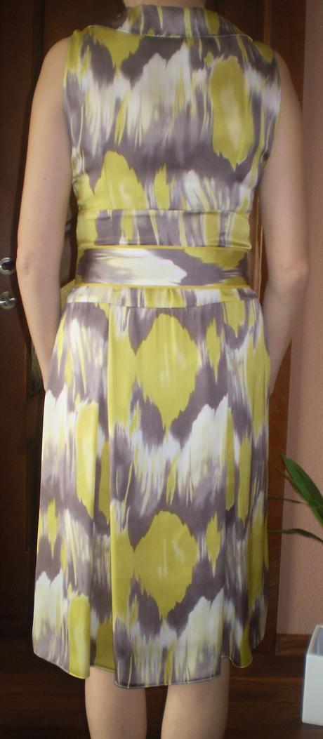 Žlté šaty, 38