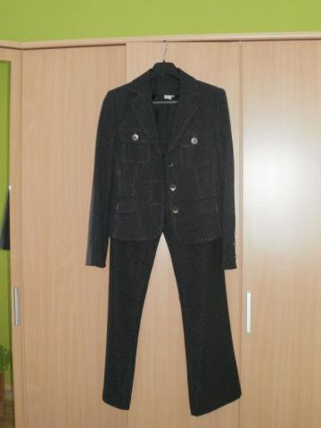 nohavicovy kostym nenosený, 42