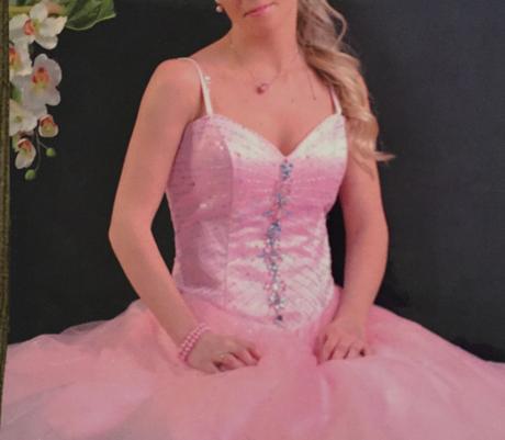 Šaty pre princeznú, XS