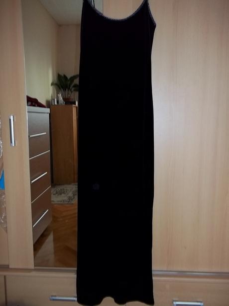 sametové šaty, L
